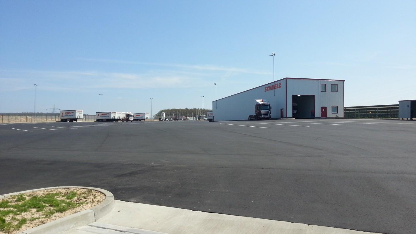 LKW Stellplätze mit Waschanlage und Ruheräumen
